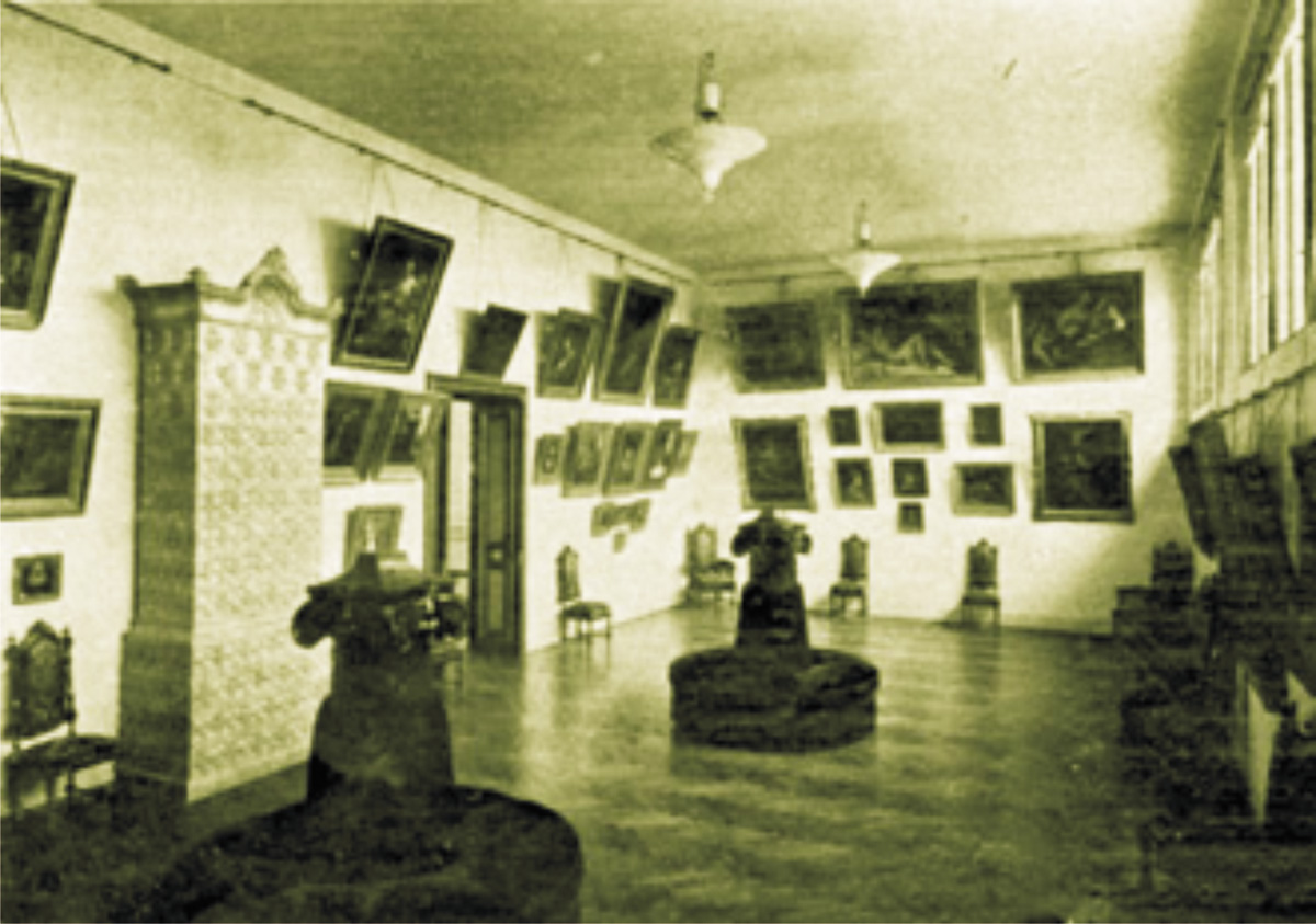sala_tablouri1